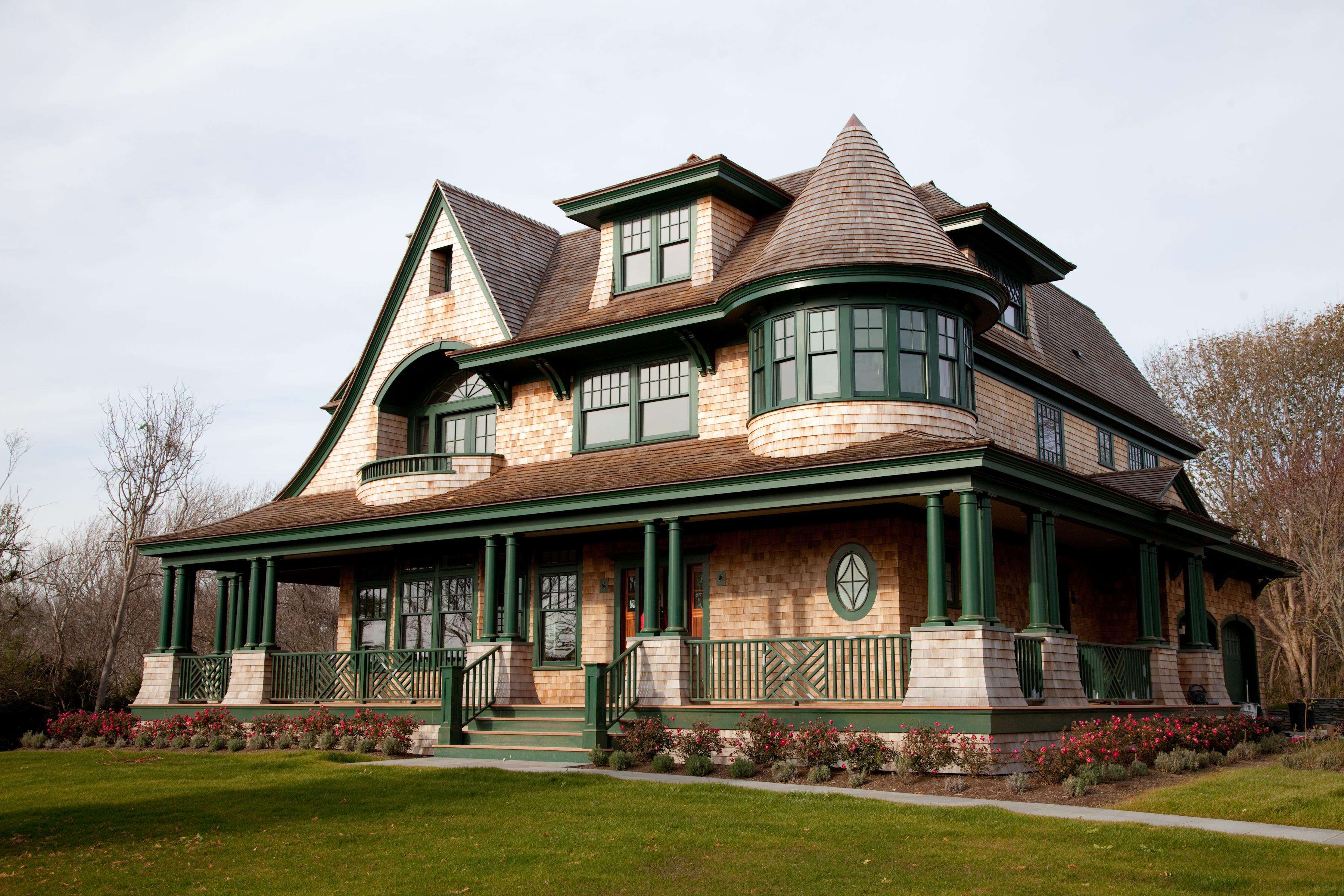 Newport classic newport house tour for Classic house tour